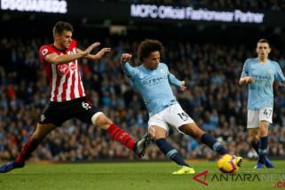 Manchester City kembali ke puncak Liga Inggris usai lumat Southampton 6-1