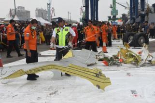 Evakuasi puing-puing Lion Air JT 610