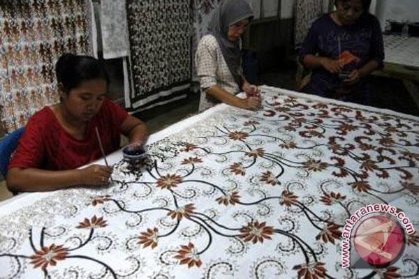 ... teknik lukis di rola batik patrang jember jawa timur kamis 19 4 batik