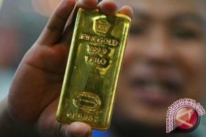 Emas turun tertekan penguatan dolar dan kenaikan ekuitas AS