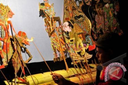 Wayang kulit dipamerkan di Festival Internasional Hongaria