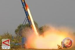 Korea Utara uji mesin roket baru