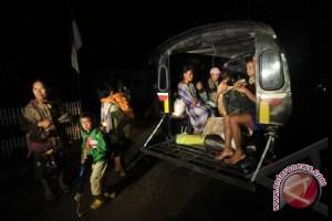 Gempa Di Palu Warga Berhamburan Keluar Rumah