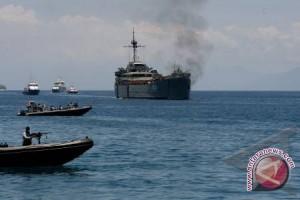 Kapal Perang Ikut Sail Komodo
