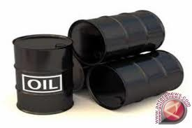Harga minyak turun tipis akibat aksi ambil untung