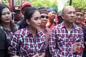 Jokowi Siap Kampanye Untuk Rieke-Teten