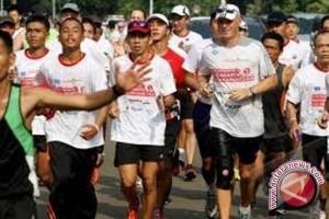 Olah Raga, Makanan Sehat, Bikin Turun Risiko Kanker Usus