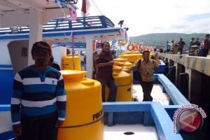 Nelayan Dampelas Dapat Bantuan Tiga Kapal Ikan