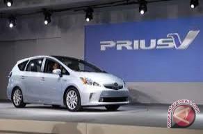 Toyota Akan tarik 242 Ribu Prius dan Lexus