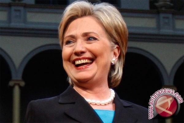 Hillary Clinton Bilang Donald Trump Berbahaya Dan Tak Mampu Jadi Presiden