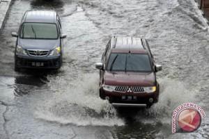 Lalu Lintas Maros Lumpuh Akibat Banjir