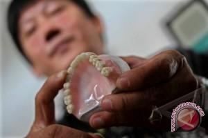 Mengapa Perempuan Hamil Bersihkan Karang Giginya?