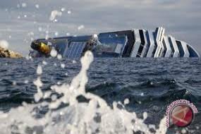 Kapal Feri Angkut 100 Penumpang Terbalik di Bangladesh