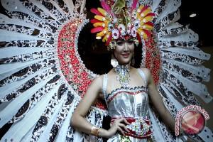 kezia roslin dinobatkan jadi puteri indonesia 2016