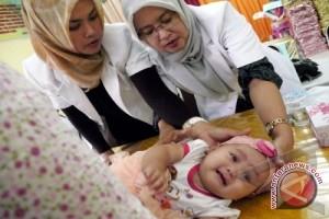 Balita Lengkap Imunisasi Diberi Sertifikat