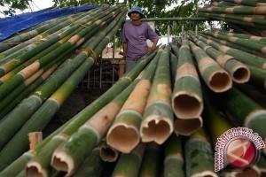 Pedagang Bambu Nasi Jahe Bermunculan Jelang Natal