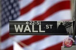 Wall Street berakhir naik tipis