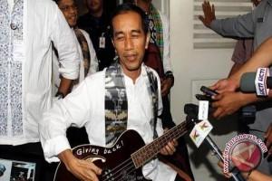 Jokowi Balapan Sama Valentino Rossi