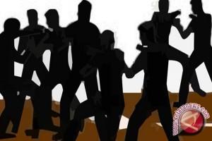 Dua Anggota Satpol Mamuju Dikeroyok Belasan Preman
