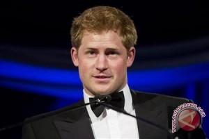 Pangeran Harry Disuruh Cukur Jenggot