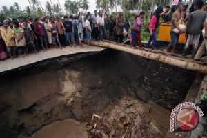 Jembatan Palu-Donggala Terancam Putus Tergerus Banjir