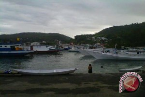 Nelayan Kota Palu Dapat Bantuan Kapal Ikan