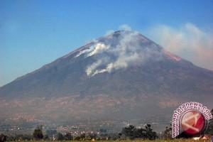 Pendakian Gunung Rorekatimbu Masih Dilarang