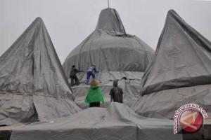 Ribuan Orang Batal Naik ke Candi Borobudur