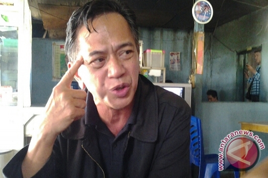 Calon DPD RI Daerah Pemilihan Sulawesi Tengah Raymond Sahetapy di Palu, Selasa (25/3/2014) (adha nadjemuddin) - 20140325raymond-sahetapy-01