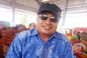 Perajin Tenun Donggala Sambut Kampung UKM Digital