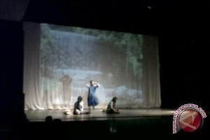 Siswa SMAN 1 Palu Tunjukan Bakat Di Pangung Teater