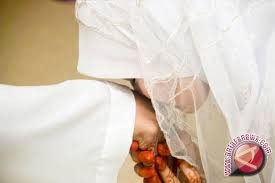 Pernikahan Di Sulteng 2015 Turun Enam Persen