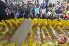 Bulog Sulteng Datangkan Minyak Goreng Stabilkan Harga