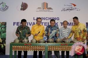 Gubernur Sulteng Buka Festival Teluk Tomori