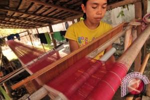 Asosiasi Tenun Donggala Sulteng Perkuat Kontinuitas Produksi