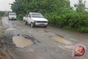 Kondisi Jalan Tongoa-Lembantongoa Memprihatinkan