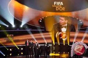 Neuer, Ronaldo, Dan Messi Jadi Kandidat Peraih Ballon D'or