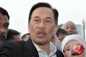 Anwar Ibrahim tiba dikediaman Habibie