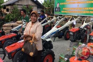 Suteng Cetak 4.325 Hektare Sawah