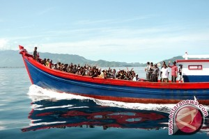 Seribu manusia perahu diselamatkan namun satu ditemukan tewas di Laut Tengah