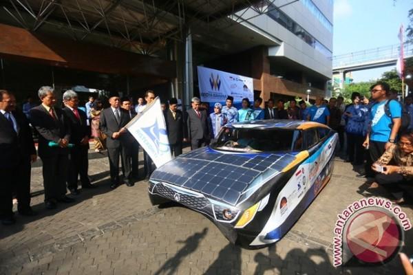 Dua Mobil Listrik Kado ITS Untuk HUT RI