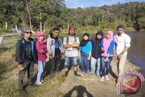 Pengunjung  Danau Tambing Didominasi Pelajar Dan Mahasiswa