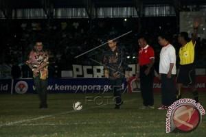 Presiden Jokowi tonton final Piala Presiden