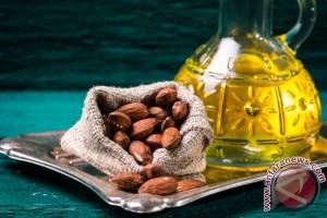 Minyak Alami Ini Berguna Menghilangkan Bekas Jerawat