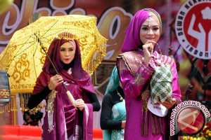 Busana muslim Indonesia menggembrak London