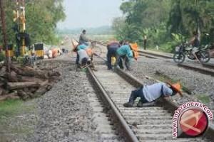 Pemerintah Bahas Rencana Teknis Jalur Ka Sulteng