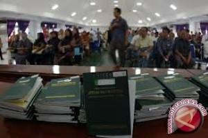 Warga Keluhkan Ruang Layanan Paspor Di Palu