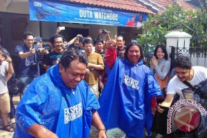 Merekam Kearifan Lokal Lewat Ekspedisi Indonesia Biru
