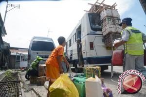 Arus mudik - arus mudik di terminal Mamboro tidak padat