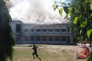 Gedung SMA Negeri 2 Palu Ludes Terbakar